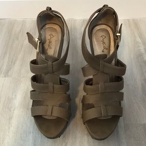 Taupe strapy open toed platform heel